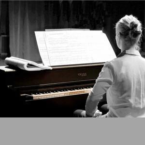 Klavijature i Pribor