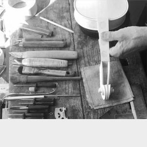 Gudački Instrumenti i Pribor